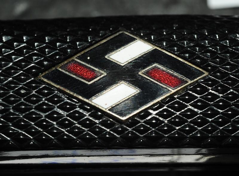 Couteau HJ/Etudiants Allemands - Nationalsozialistische Deutscher Studentenbund Logo_e10