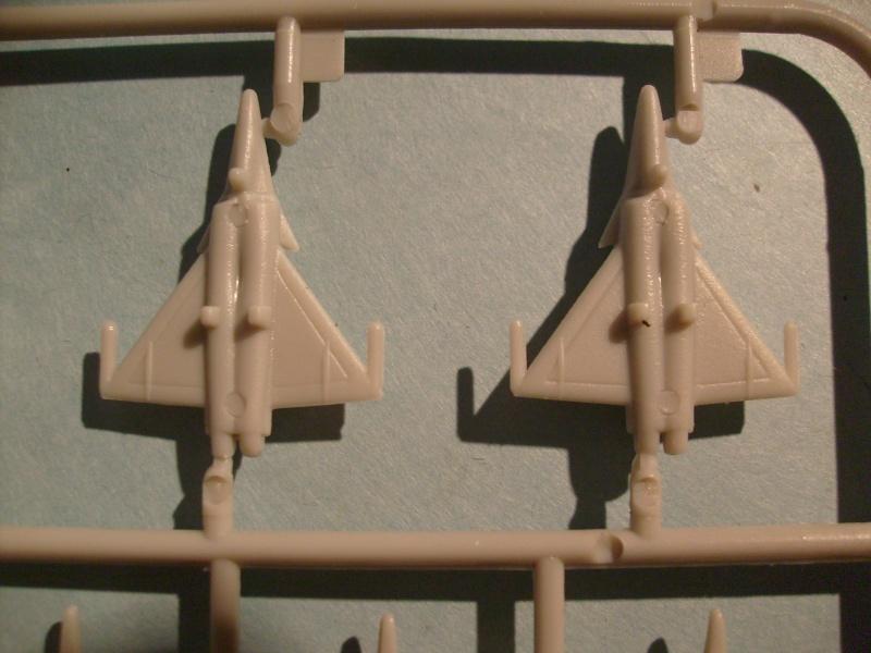 [KITECH] Porte-avions CHARLES DE GAULLE 1/600ème Réf 08M-059 S7301253