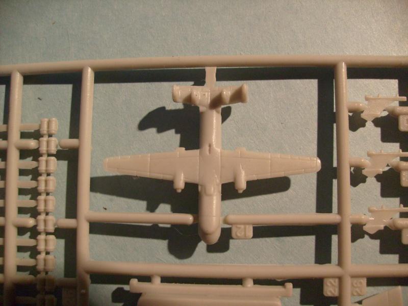 [KITECH] Porte-avions CHARLES DE GAULLE 1/600ème Réf 08M-059 S7301256