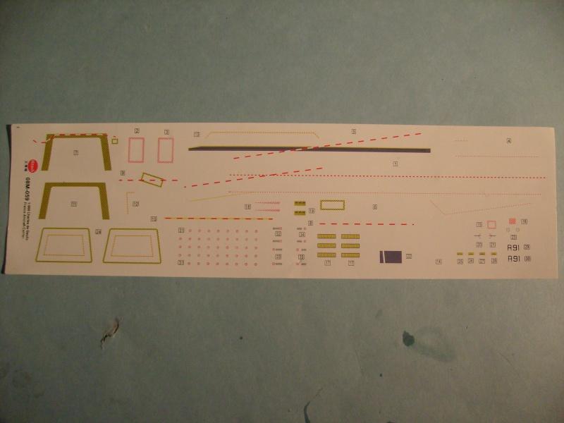 [KITECH] Porte-avions CHARLES DE GAULLE 1/600ème Réf 08M-059 S7301260