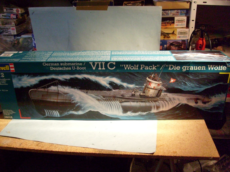 "[Revell] Deutsche U-Boot / German Submarine VII C / ""Wolf pack"" S7302013"