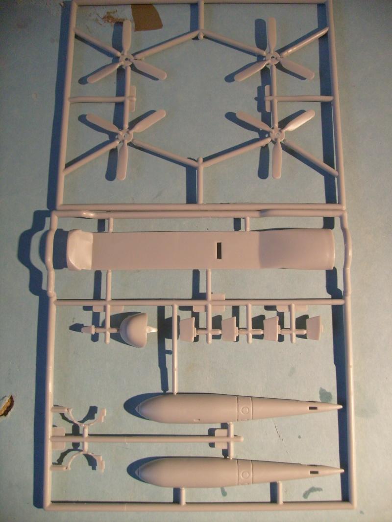 Comparatif AVRO LANCASTER B1 SPECIAL vs AVRO LANCASTER BIII DAM BUSTER 1/72èmeme S7302124