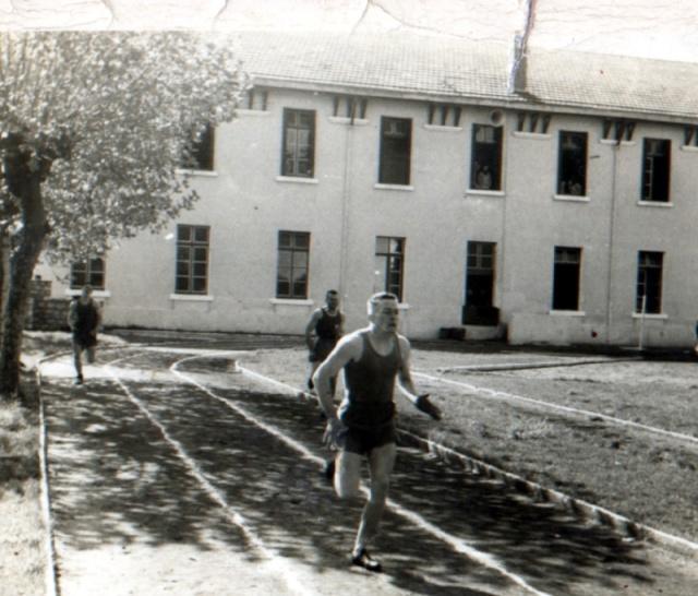 [Votre passage au C.F.M.] Challenge sportif Hourtin avril 1960 Hourti11
