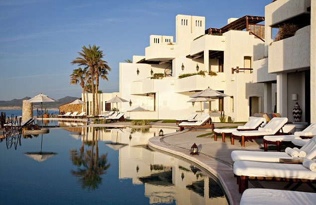 George Clooney's house in Cabo, Mexico Las_ve10