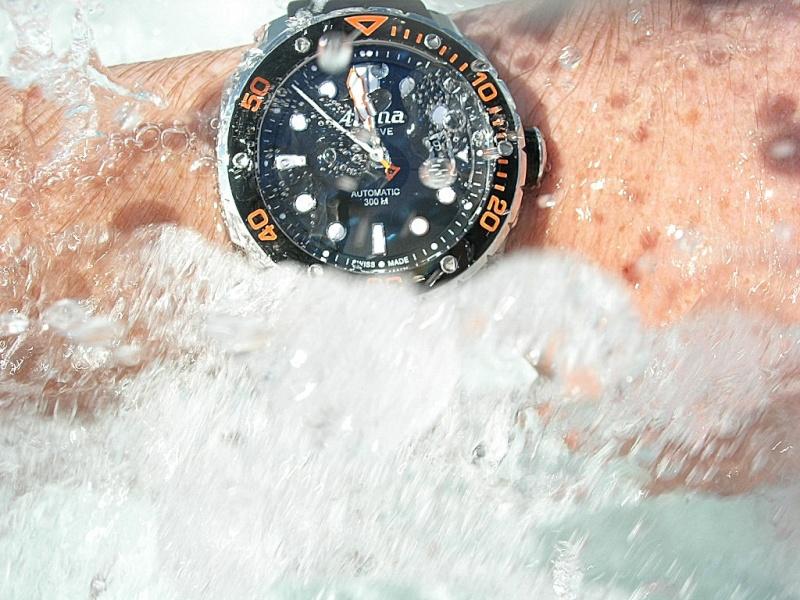Montre Alpina extreme diver 300 Dscn7712