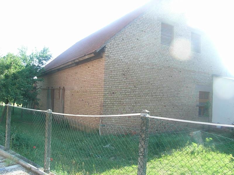Transformation d'un séchoir à tabac en maison d'habitation Rimg0710