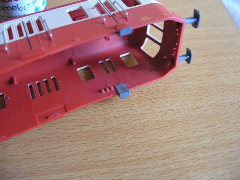 Modifications sur le X2404 Electrotren. - Page 2 Pc220012