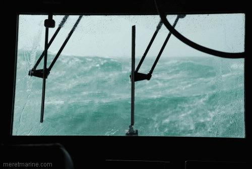 Une chasse au sous-marin sur la frégate Latouche-Tréville 1193110