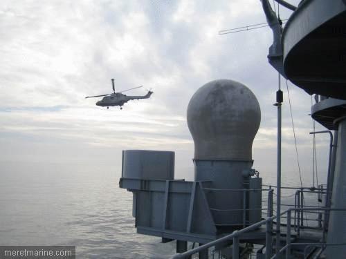Une chasse au sous-marin sur la frégate Latouche-Tréville 1203310