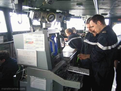 Une chasse au sous-marin sur la frégate Latouche-Tréville 1204210