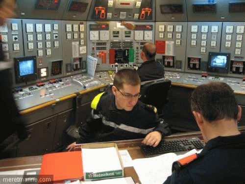 Une chasse au sous-marin sur la frégate Latouche-Tréville 1204910