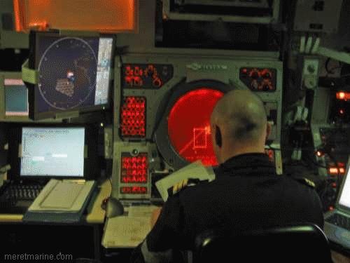 Une chasse au sous-marin sur la frégate Latouche-Tréville 1205110