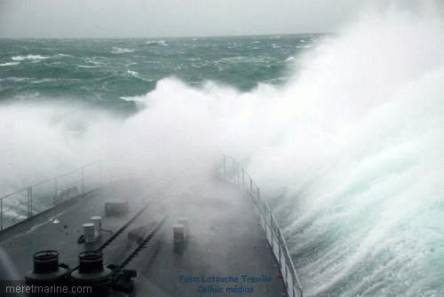 Une chasse au sous-marin sur la frégate Latouche-Tréville 1213910