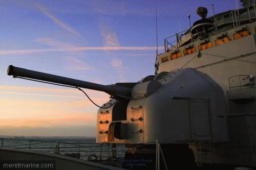 Une chasse au sous-marin sur la frégate Latouche-Tréville 1214010