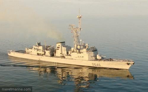 Une chasse au sous-marin sur la frégate Latouche-Tréville 1215010