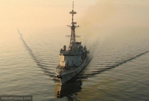 Une chasse au sous-marin sur la frégate Latouche-Tréville 1215210