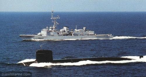Une chasse au sous-marin sur la frégate Latouche-Tréville 1215410