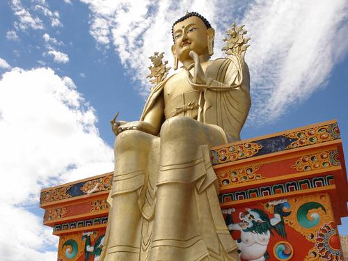 Les statues de Bouddha découvertes dans Google Earth - Page 7 A_boud13