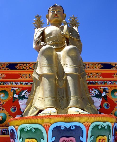 Les statues de Bouddha découvertes dans Google Earth - Page 7 A_boud14