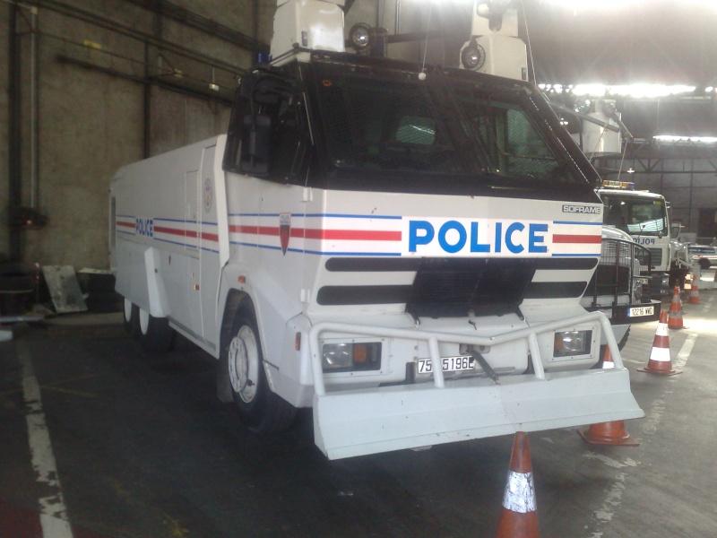 Le MOL anti émeutes . Policr10