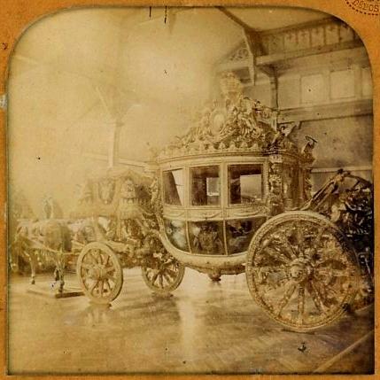 Exposition Roulez carrosses à Arras - Page 3 Caross12