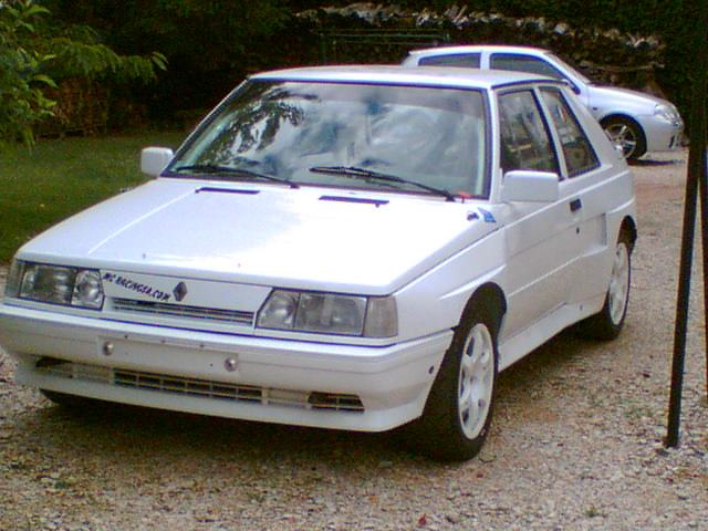 R11 Turbo phase 2 Rallye 3 portes Photo010