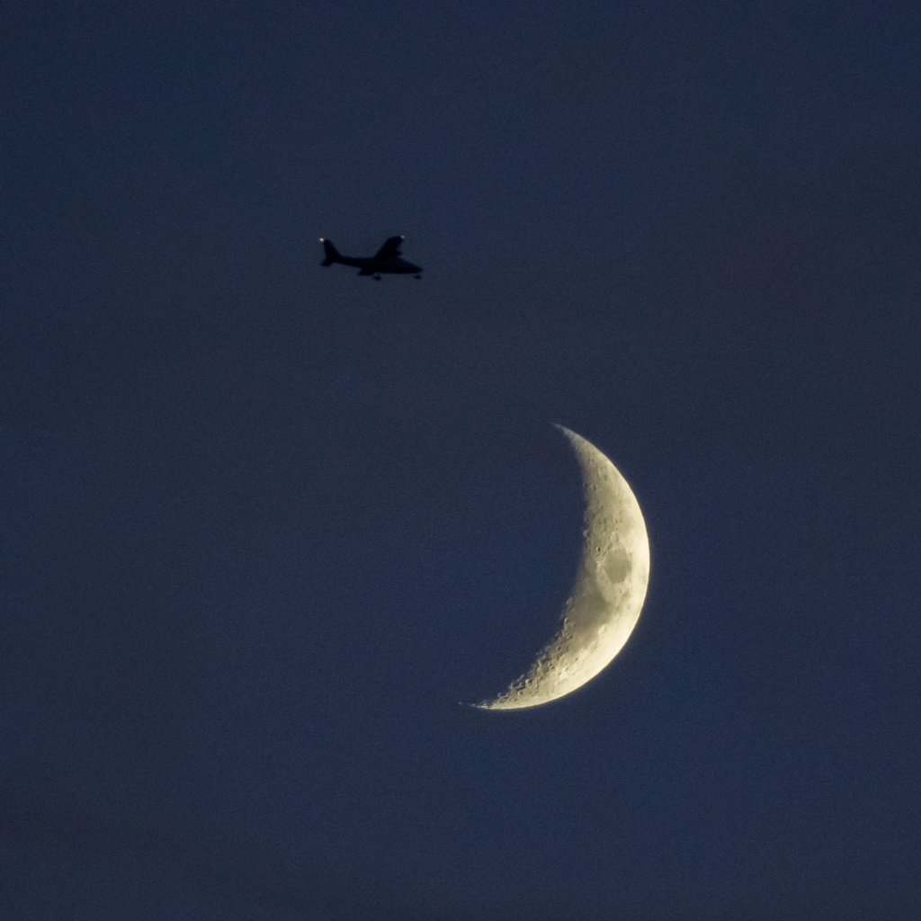 Essais Lune au 75-300 _b190610