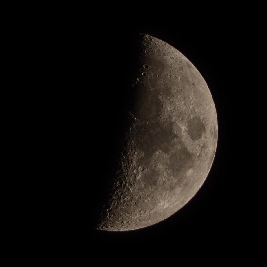 Essais Lune au 75-300 _b210610