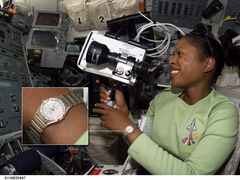 Les montres dans l'espace Space011