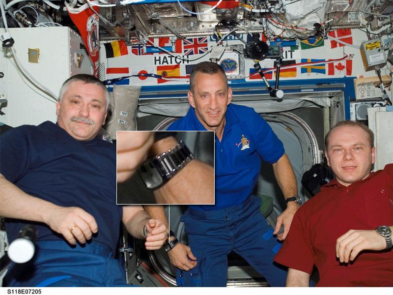 Les montres dans l'espace Space012