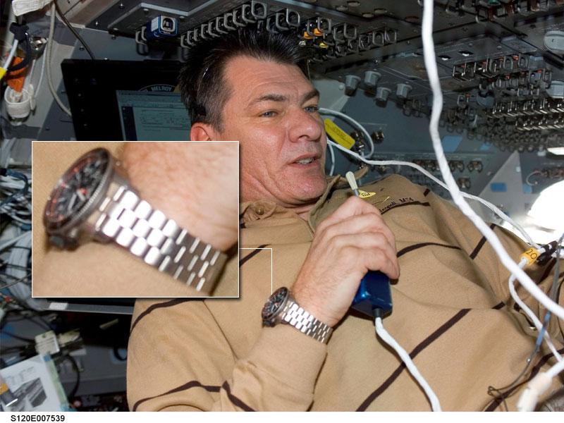 Les montres dans l'espace Space111