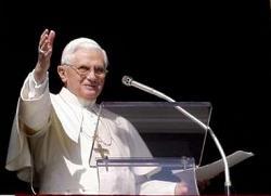 L'Angélus en direct de Rome Pope-a10