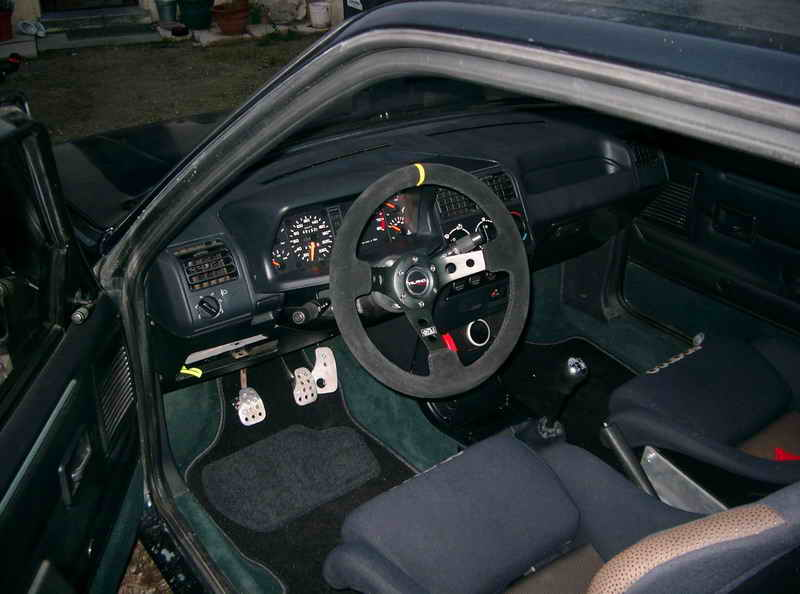 [T3C3T]  GTI modifiée  - 1900 - vert sorrento - 1991 Imgp4010