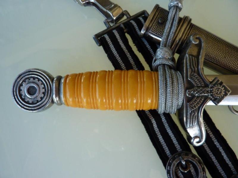 Dague Officier Teno (complète) - Eickhorn P1210134