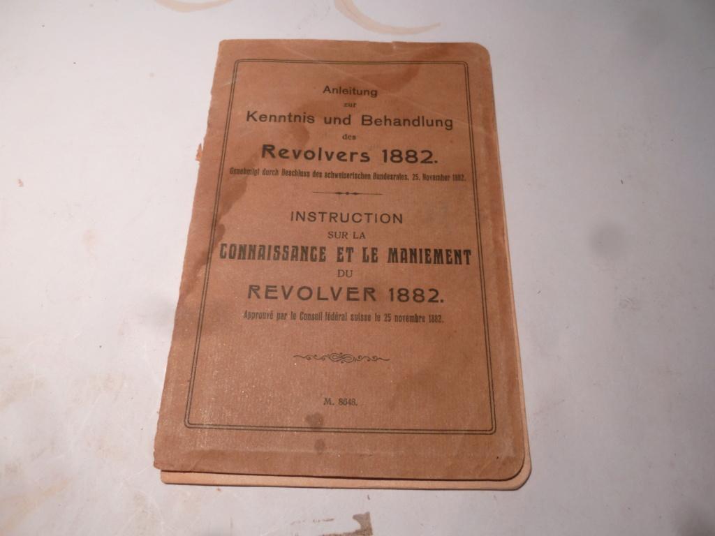 Manuel du revolver suisse 1882 P1060712