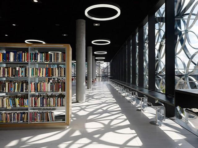 Des bibliothèques prestigieuses. Aa412