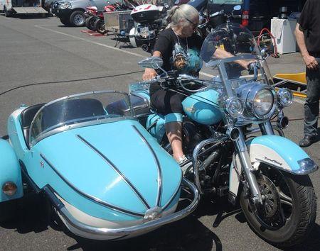 Road King uniquement, combien sur Passion-Harley  - Page 18 Momotr10