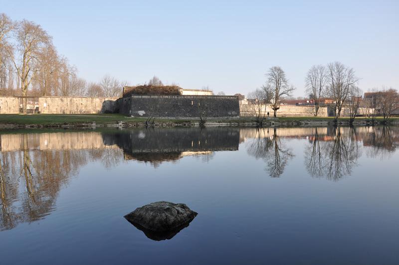 Le Doubs à la Gare d'eau de Besançon Dsc_0013
