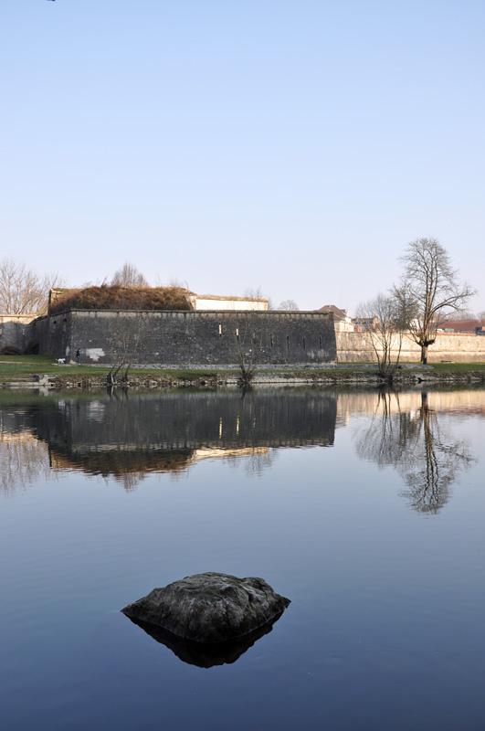 Le Doubs à la Gare d'eau de Besançon Dsc_0014