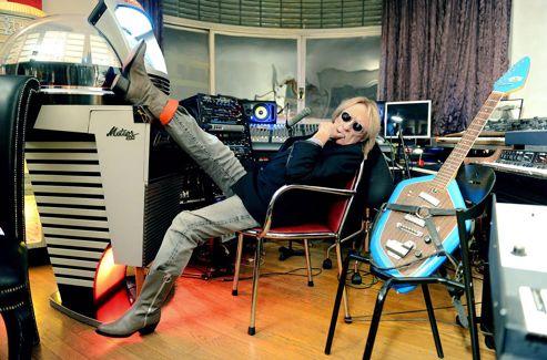 RENCONTRE - Le plus mystérieux des chanteurs français sort une collection d'inédits, quelques mois avant son prochain «véritable» album. Ad1a7810