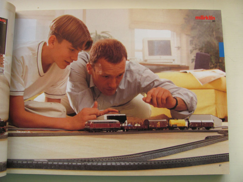 [Märklin] Catalogue 1999-2000 Img_0451