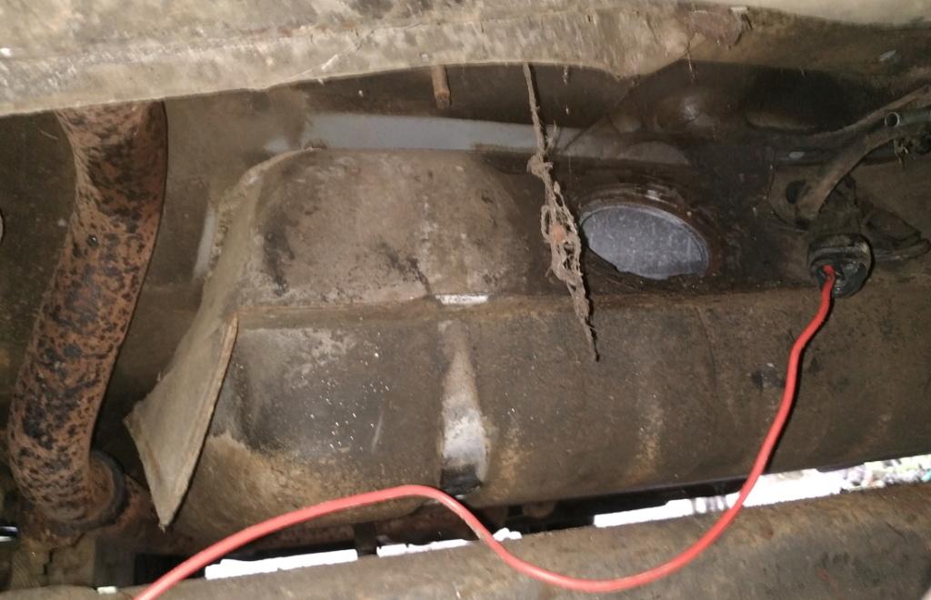 Chrysler Saratoga de Grenouille dans le 24  Img_2043