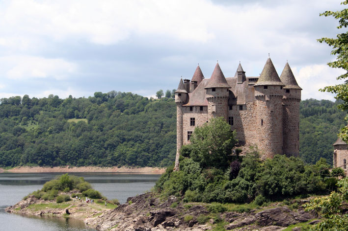 Le chateau du Val Chatea10