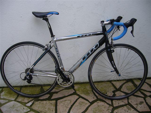 Vends vélo BH alu/carbone de 2005 P1010010