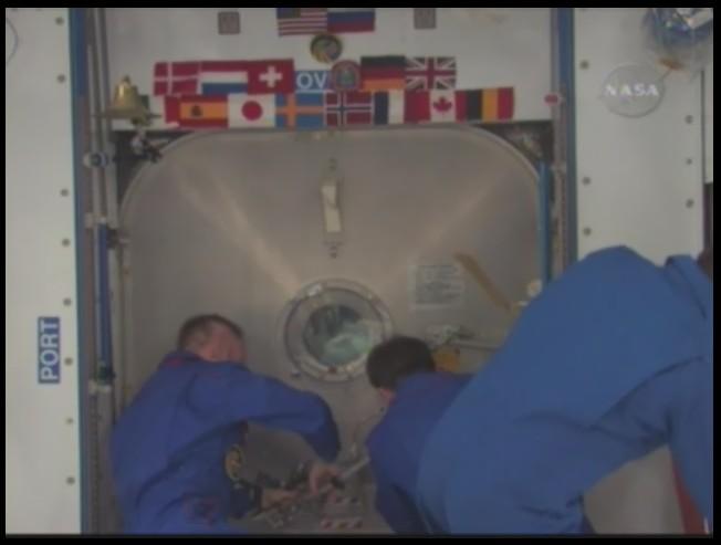 [STS-126] Endeavour : La mission - Page 3 Sans_126
