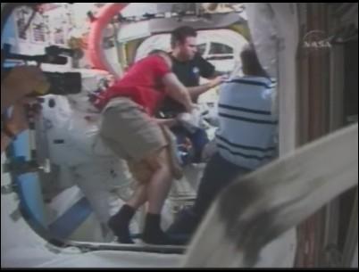 [STS-126] Endeavour : La mission - Page 5 Sans_130
