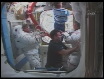 [STS-126] Endeavour : La mission - Page 5 Sans_131