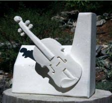 Violon sur pierre calcaire Violon10