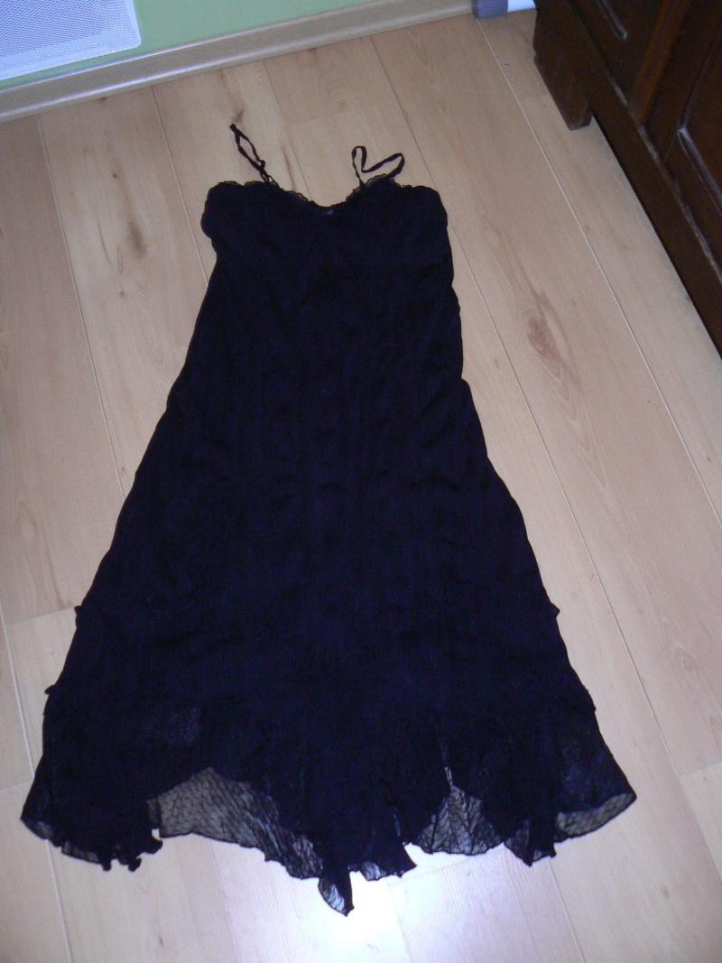 je cherche une robe ou ensemble jupe P1100523