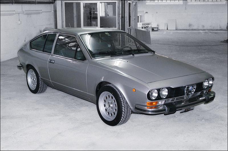 ma nouvelle auto  un GTV  inox  - Page 6 Dsc_0010